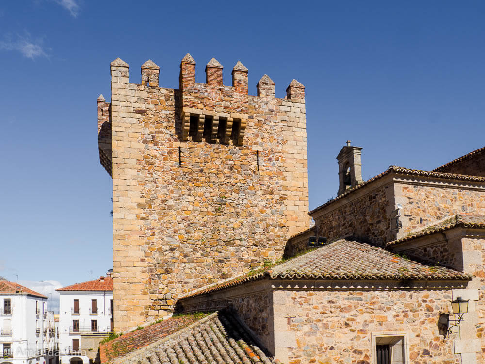 Fortifications of the old town of Cáceres.