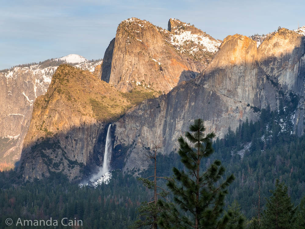 A picture of Bridal Veil Falls in Yosemite