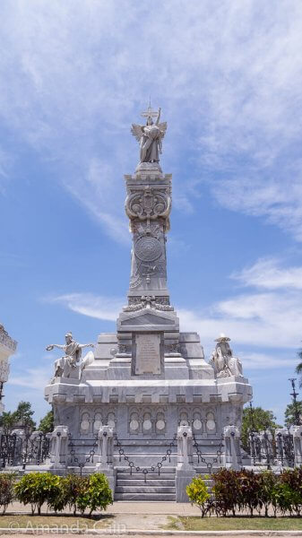 Probably the grandest monument in Cristobal Colon Cemetery: the Monument to Firefighters.